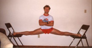 Dr. Michael Adrowski, Davis, Illinois, in hanging split