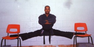 Anthony L. Wallace, Rexdale, Ontario, in hanging split